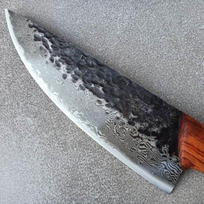Lame du couteau de chef damassé